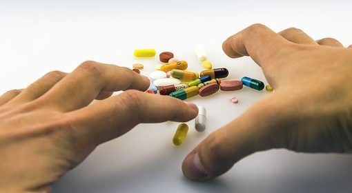 Helping The Elderly Avoid Prescription Drug Problems